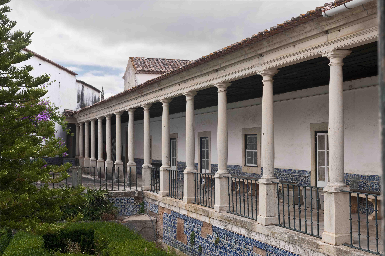 Varandim da Enfermaria sobre o pátio da Botica do Convento de Cristo
