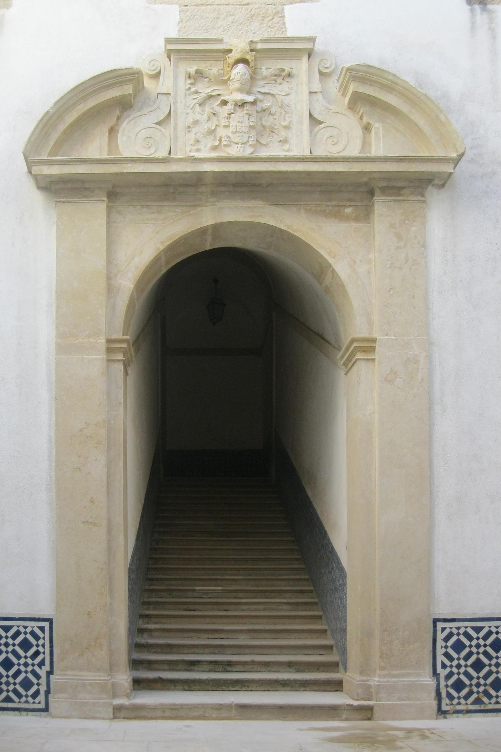 Pátio e escadaria Filipina
